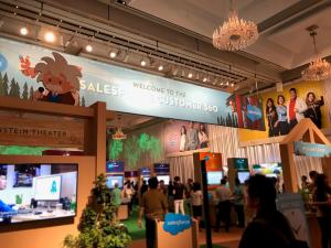 Salesforce World Tour Tokyo2019出展レポート#ブースには立っていない男